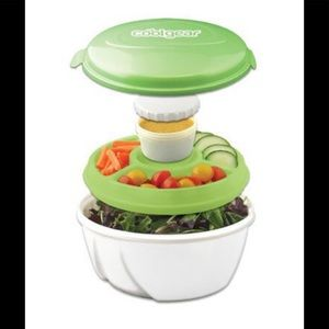 """Portable salad kit for the """"on the go consumer""""."""
